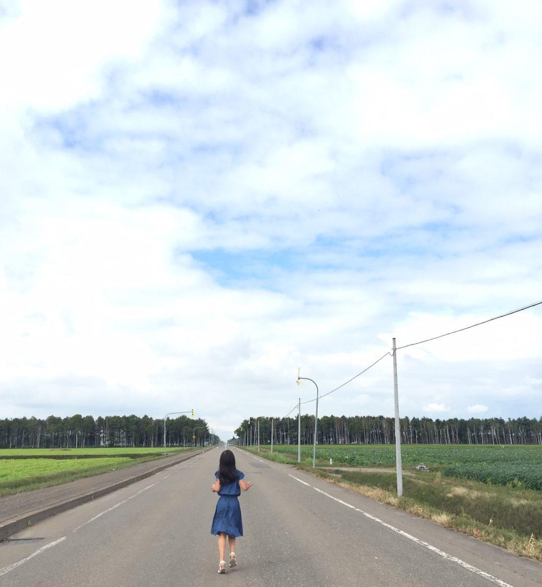 道の真ん中のの