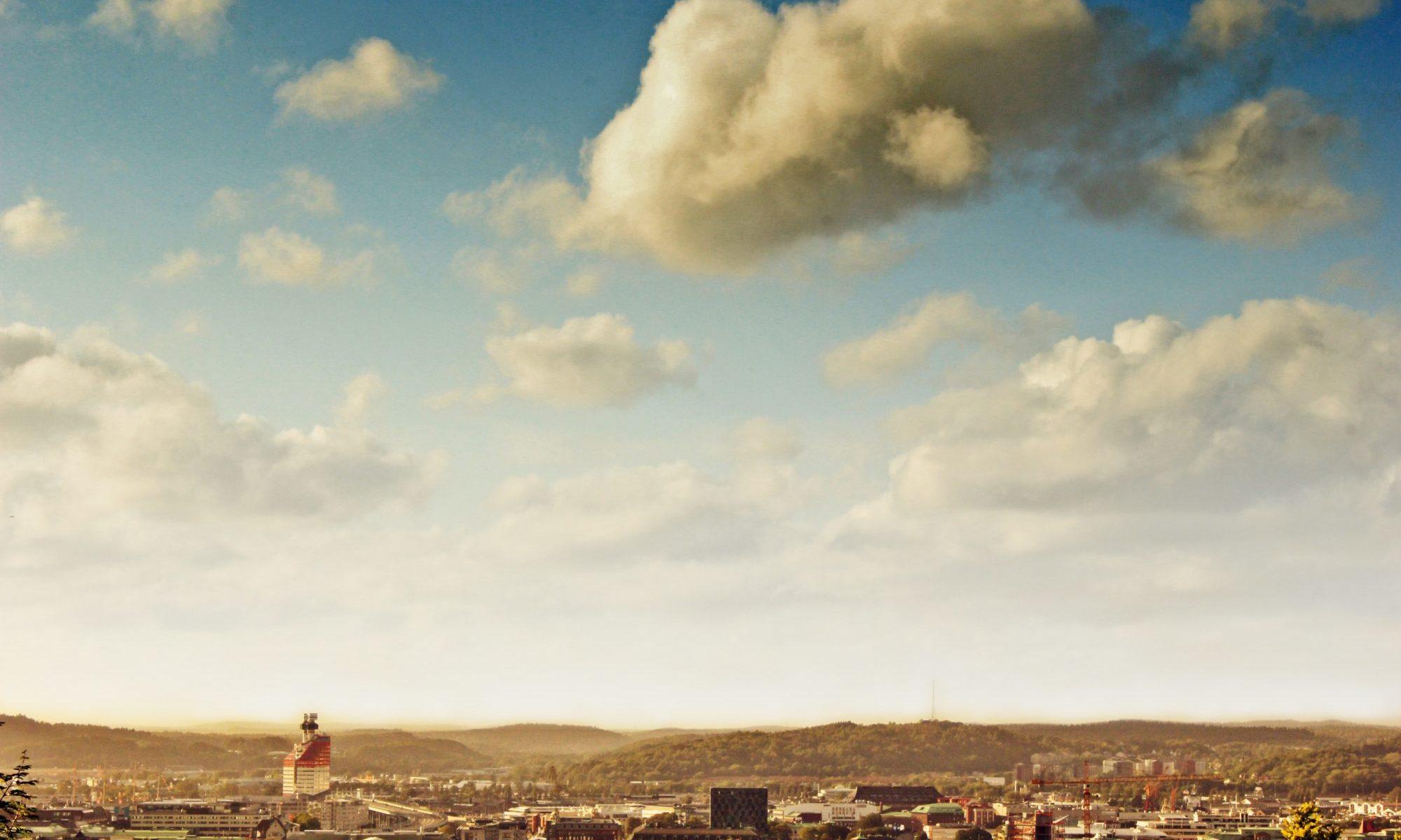 遠い雲の風景