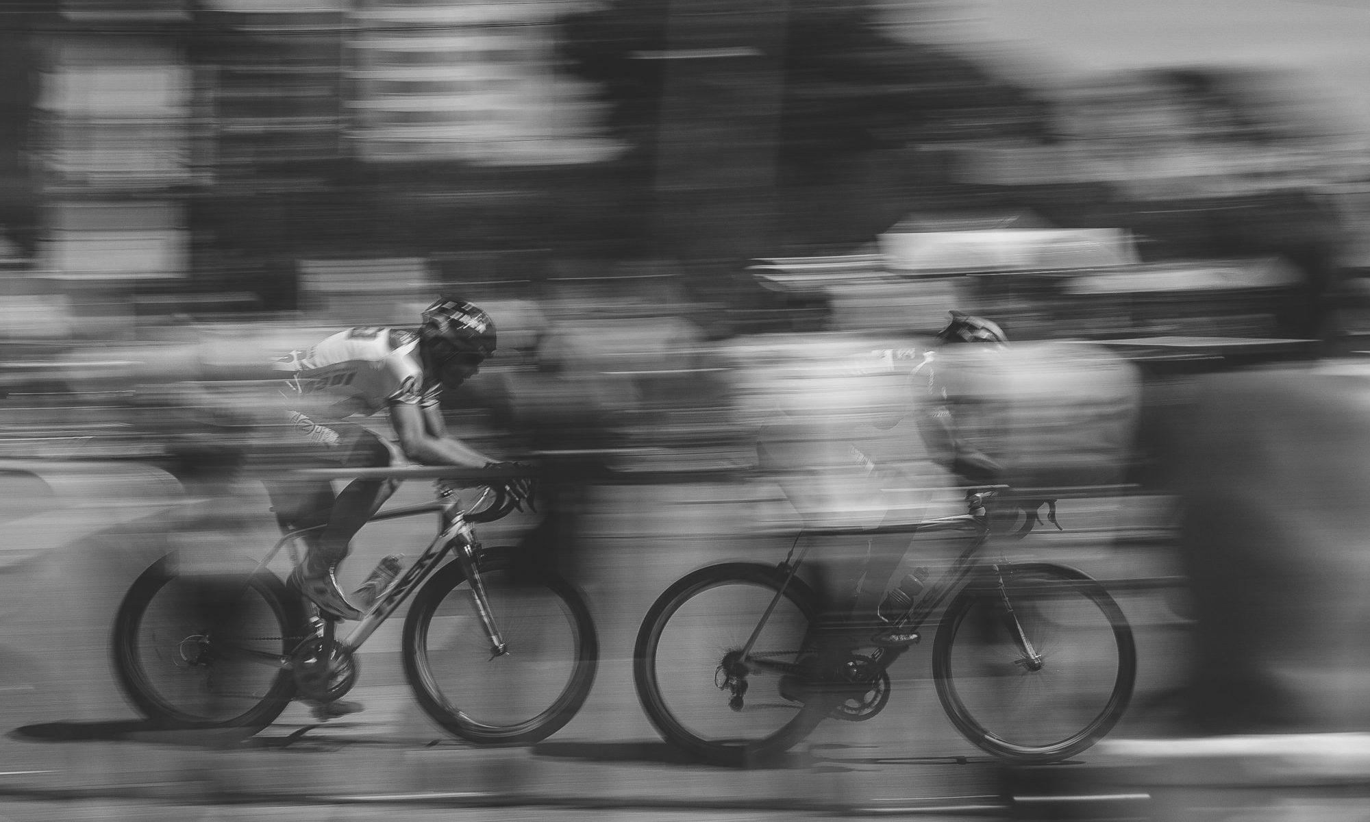 自転車追い抜き